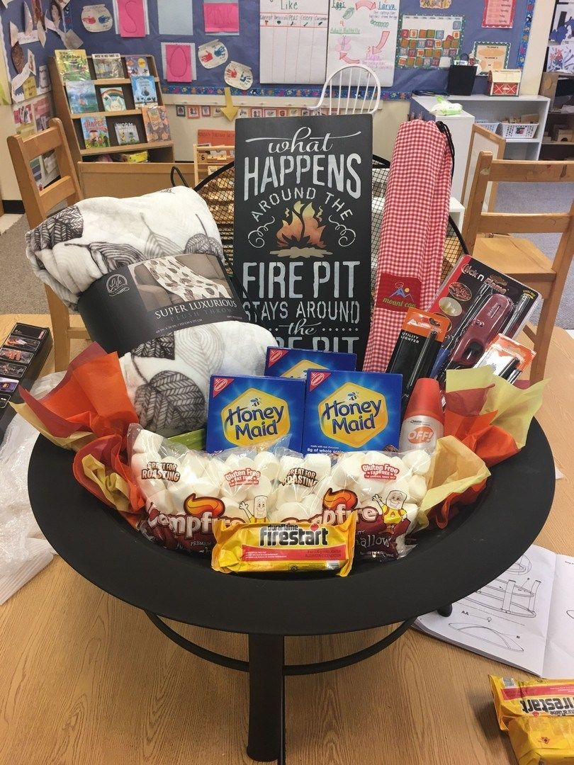 33 Themed Christmas Basket Ideas 4 In 2020 Christmas Gift Baskets Diy Christmas Gift Baskets Auction Gift Basket Ideas