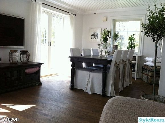 matsal,matbord,klädda stolar,matplats | Stolar, Vardagsrum