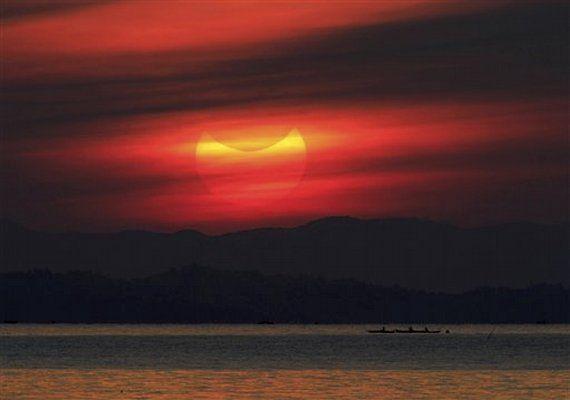 Sunrise in Manila   Eclipse 2012   Comcast.net