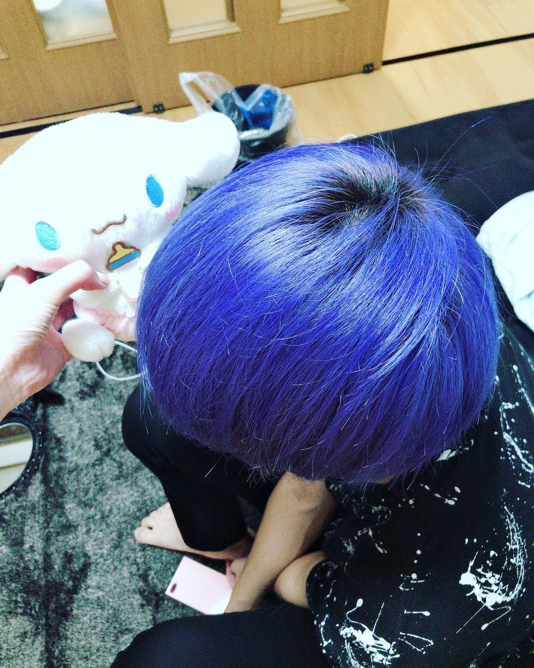 かれぴの髪を青にしてあげたー 派手髪 青 Blue カラー マニパニ
