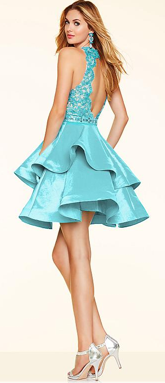 Love the layered skirt of the short party dress! so sweet!