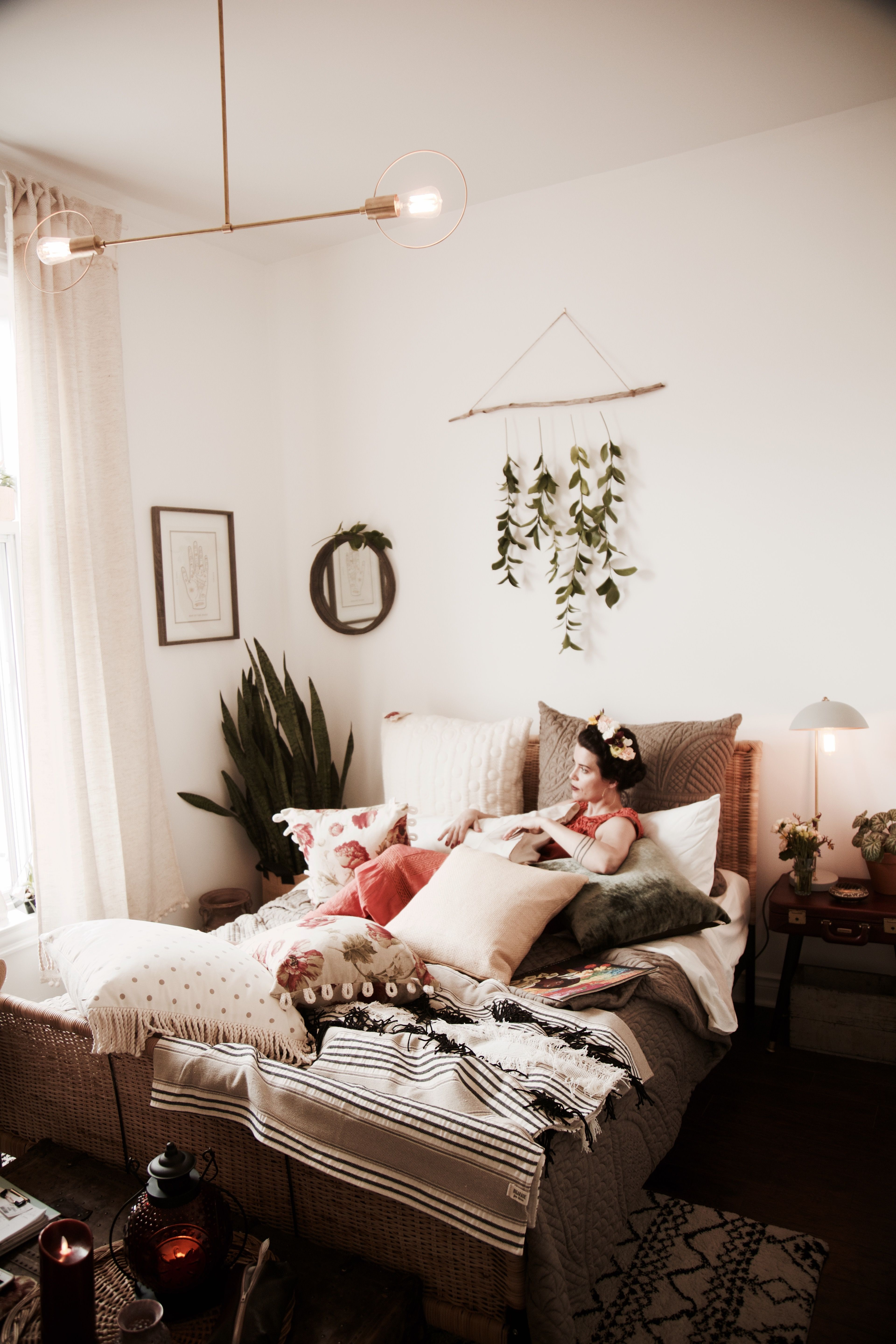 Small and lovely bohemian bedroom interior design made in