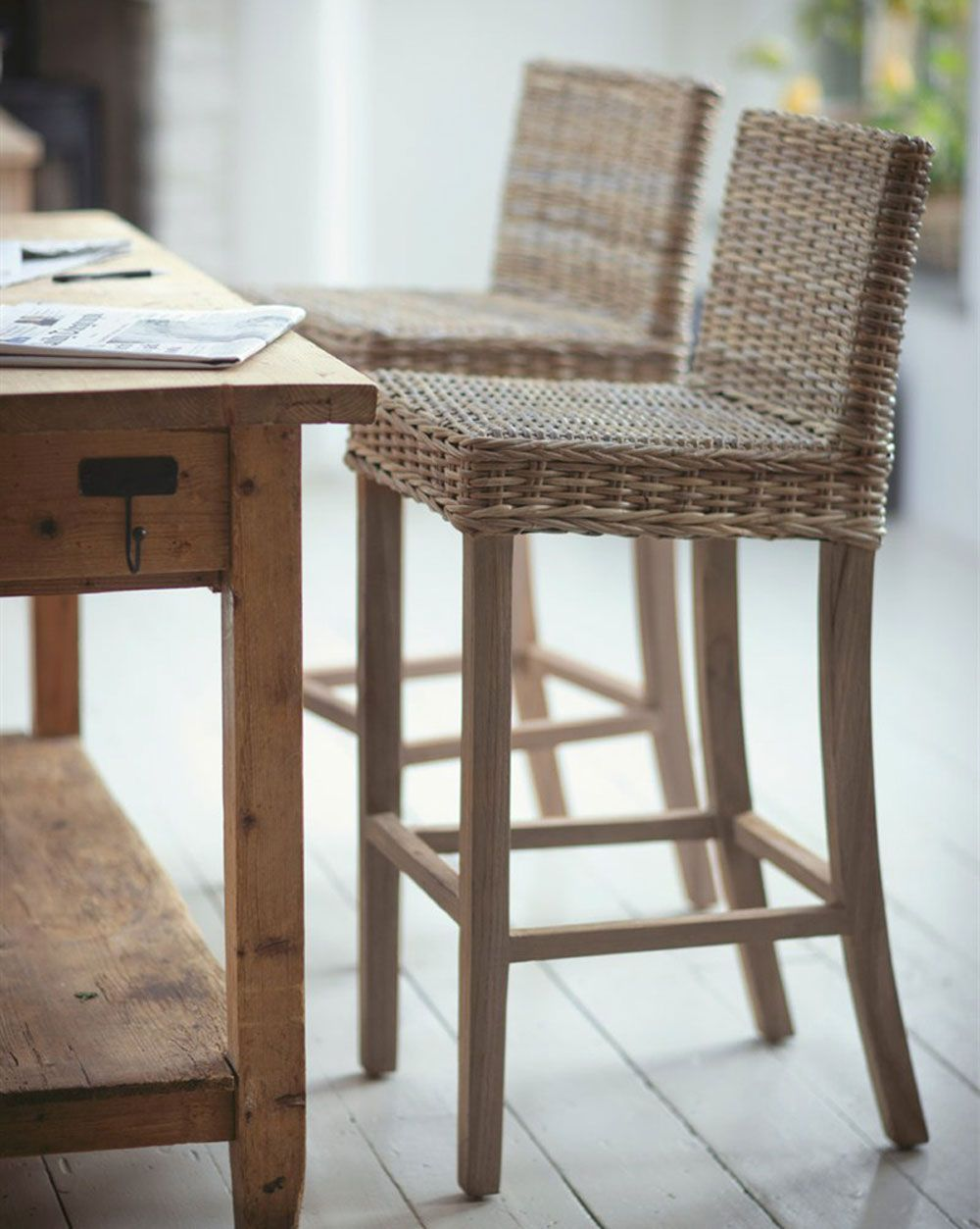 Best Bar Stools For Kitchen Islands And Breakfast Bars House To Home Rattan Hocker Kücheninsel Hocker Barhocker Küche