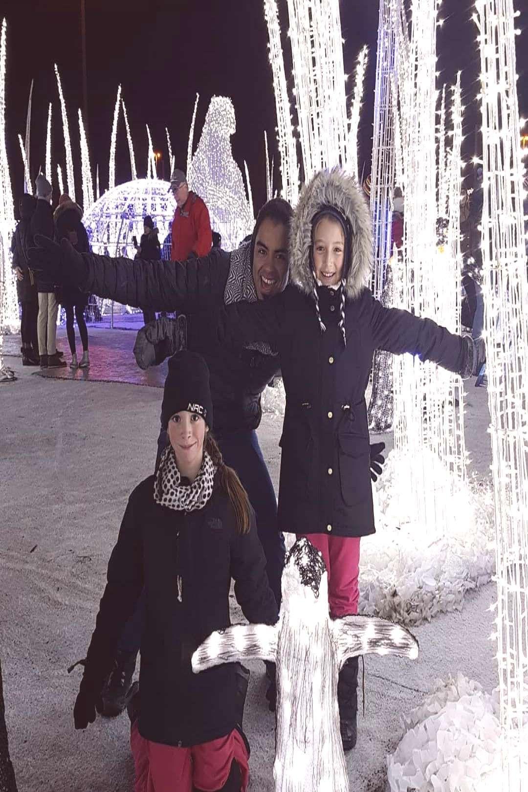 #christmasmagic #illumicavalia #peoplepeople #standingsky #christmas #throwback #outdoor #illumi #chris #and #4 Christmas Throwback #illumicavalia #illumi #christmasmagic #chrisYou can find Christm...