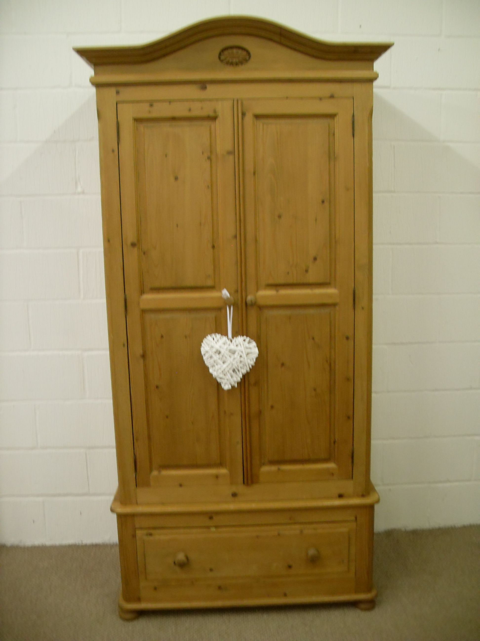 BEAUTIFUL SOLID PINE WARDROBE WITH DRAWER QUALITY PINE   W 100   D 60   H