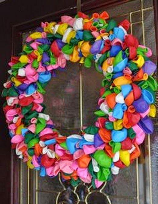 el mundo del reciclaje coronas de navidad con material reciclado