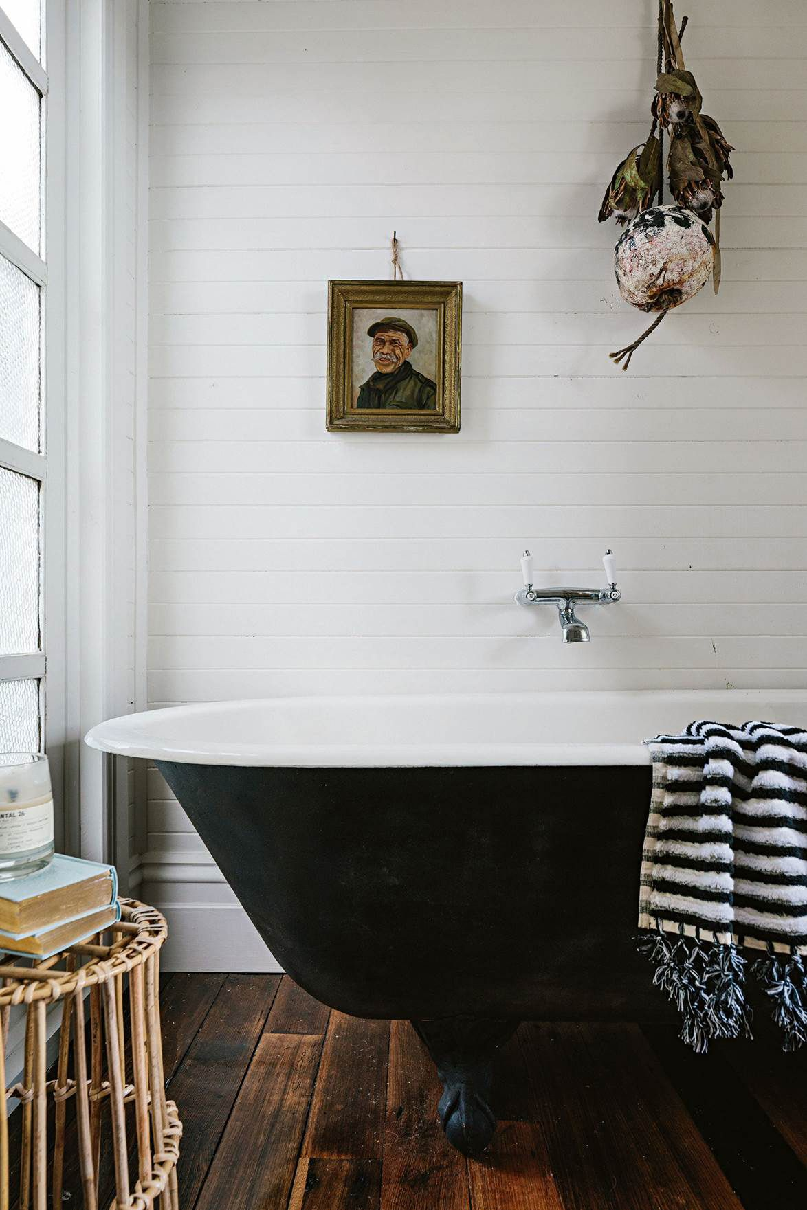 A Cozy Getaway In Tasmania Sfgirlbybay Shiplap Bathroom Country Bathroom Country Style Magazine