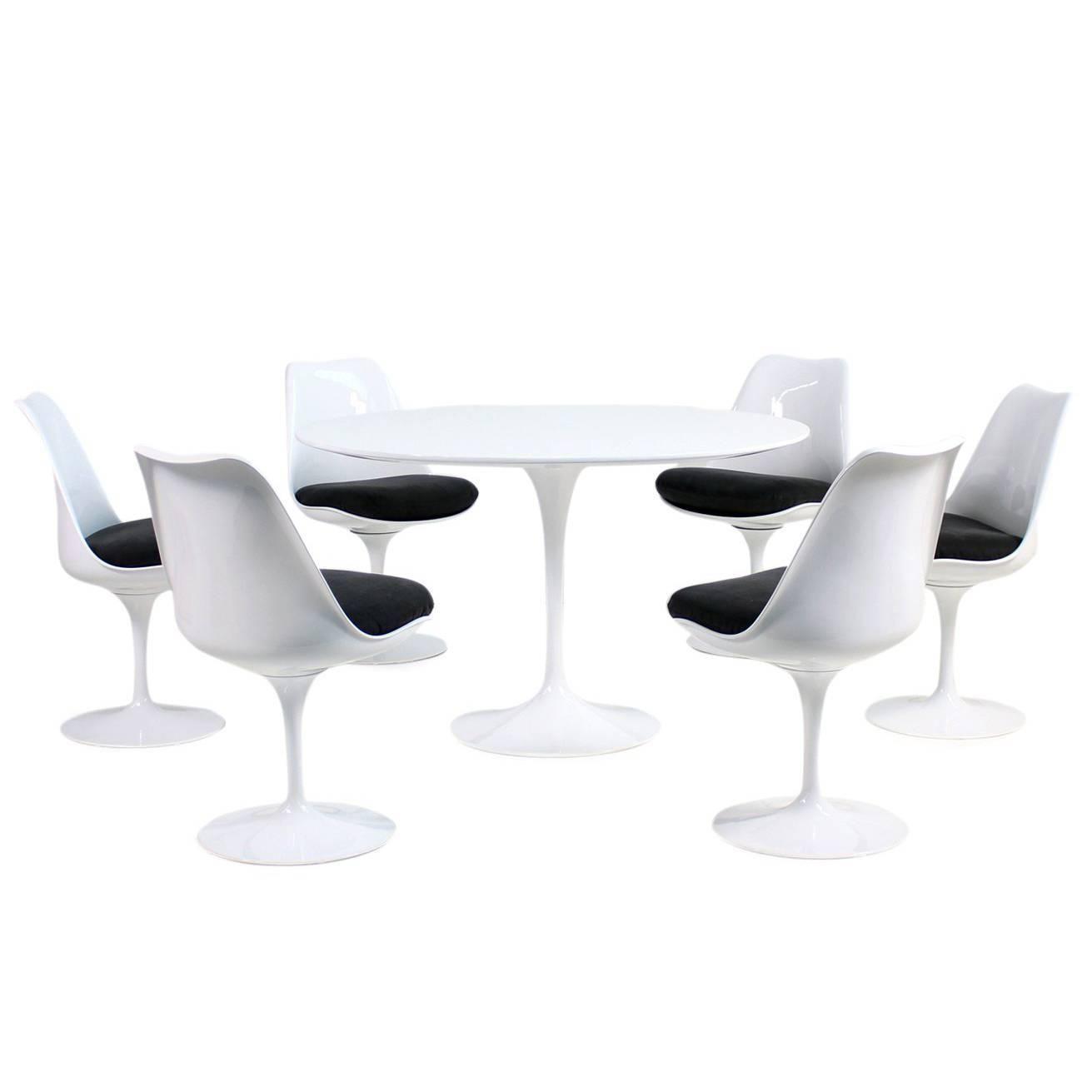 Eero Saarinen Tulip Dining Table And Six Swivel Chairs Knoll  # Muebles Eero Saarinen