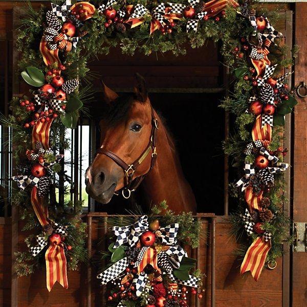 Znalezione obrazy dla zapytania equestrian christmas