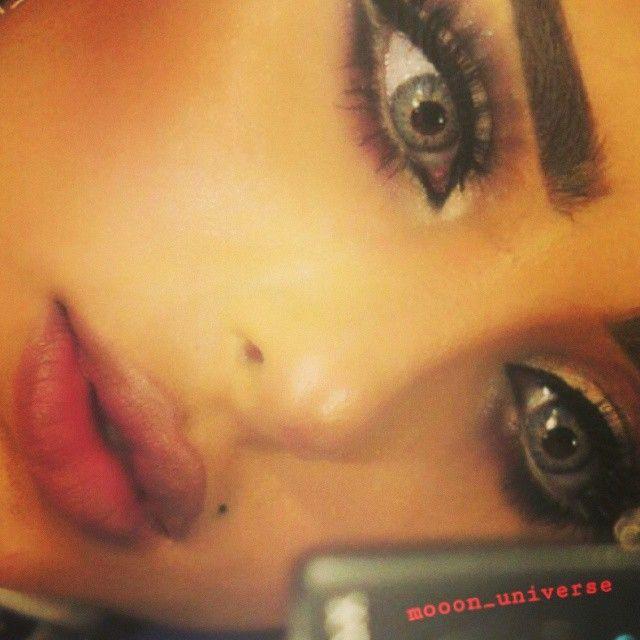 Mooon Universe On Instagram حب رومنسي شعر ذوق احساس اناقة حس مرهف رايق شعري رومنسية رومانس خواطر دلع كيوت كول عشق Makeup Looks Eyes Beauty