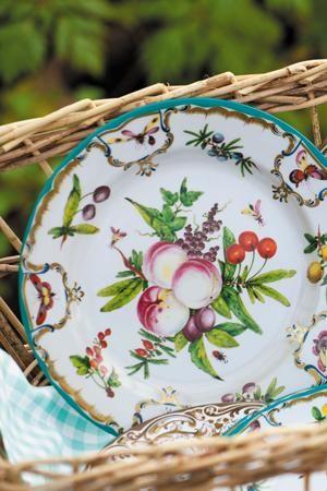 Duke of Gloucester design - love these tin plates! sarahraven.com & Decorative Tin Plates | Gloucester Picnics and China