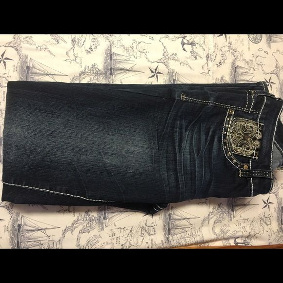 ❤️❤️❤️❤️Make offer! Cute hydraulic jeans from Maurice's . Lightly used and in great condition  Jeans Straight Leg