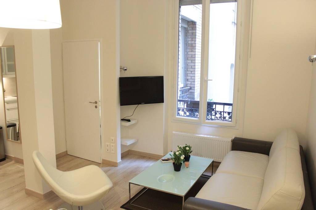 Intera casa/apt a Paris2EArrondissement, FR. Brand new