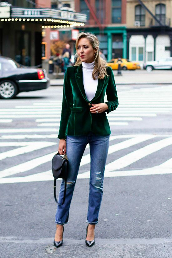 20+ Sytlish Holiday Outfits For Every Situation | SarahK ...