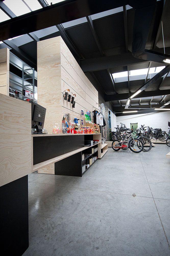 Interieur DECRAEMERE winkelinrichting#winkel#fiets | Interior ...