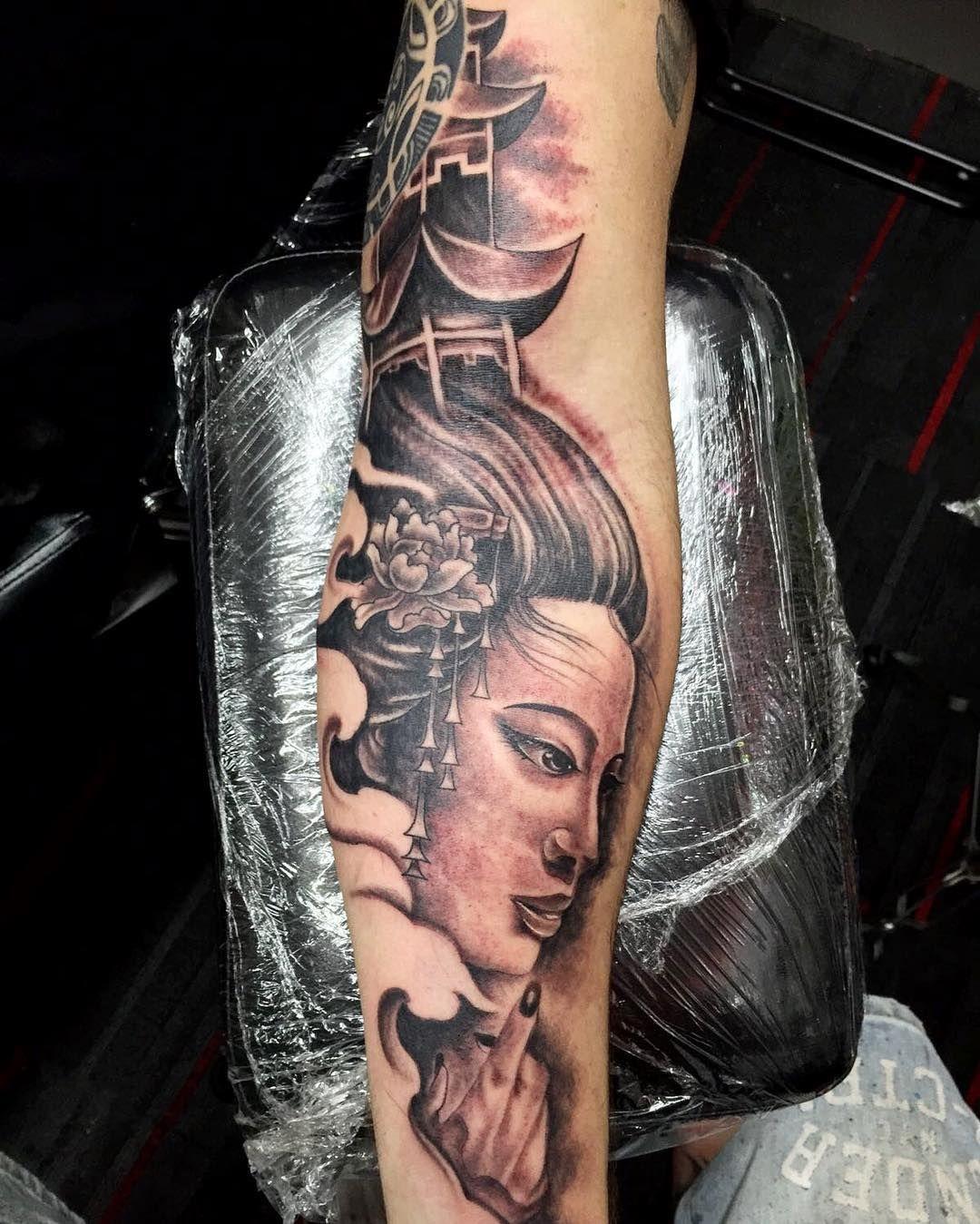 Geisha tattoo elegant geisha tattoo picture - Cool 55 Striking Geisha Tattoo Designs An Intelligent And Elegant Lady Check More At Http