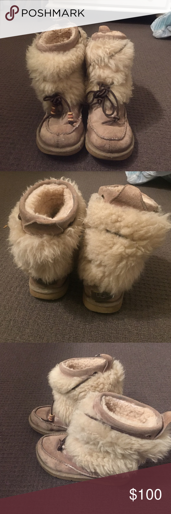 b989bc9550f Ugg boot with fur outside and drawstring . Size 5 Ugg Australia ...