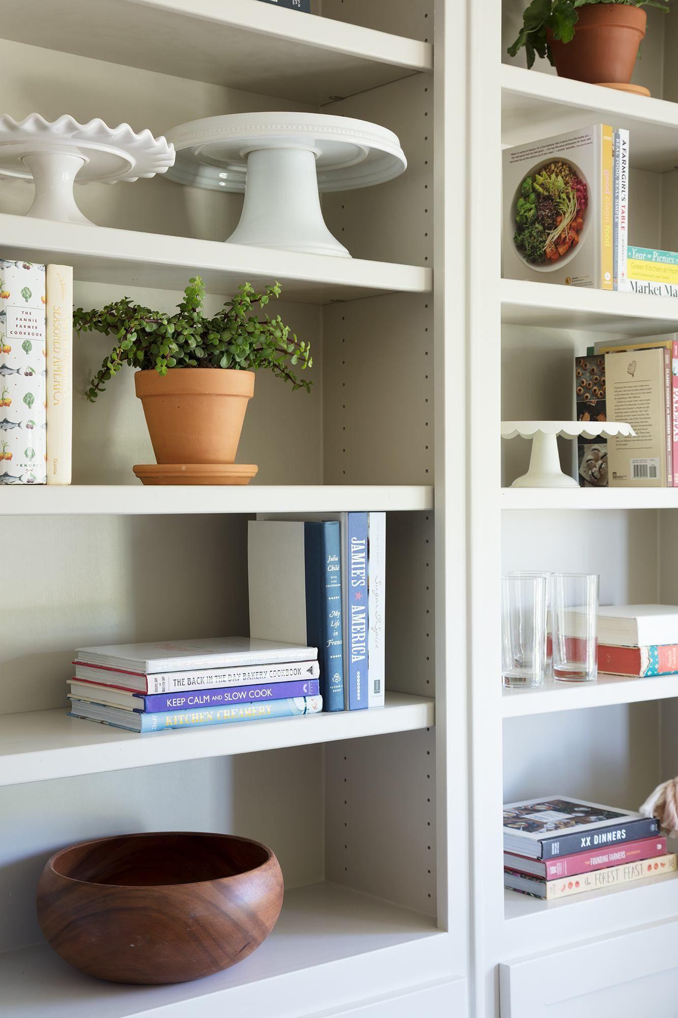 diy floating bookshelves for nursery