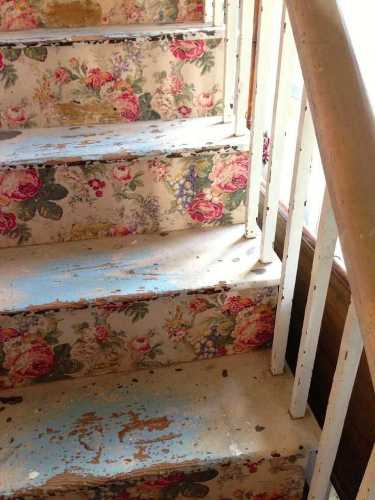 love shabby chic look on the steps shabby chic pinterest treppe rund ums haus und flure. Black Bedroom Furniture Sets. Home Design Ideas