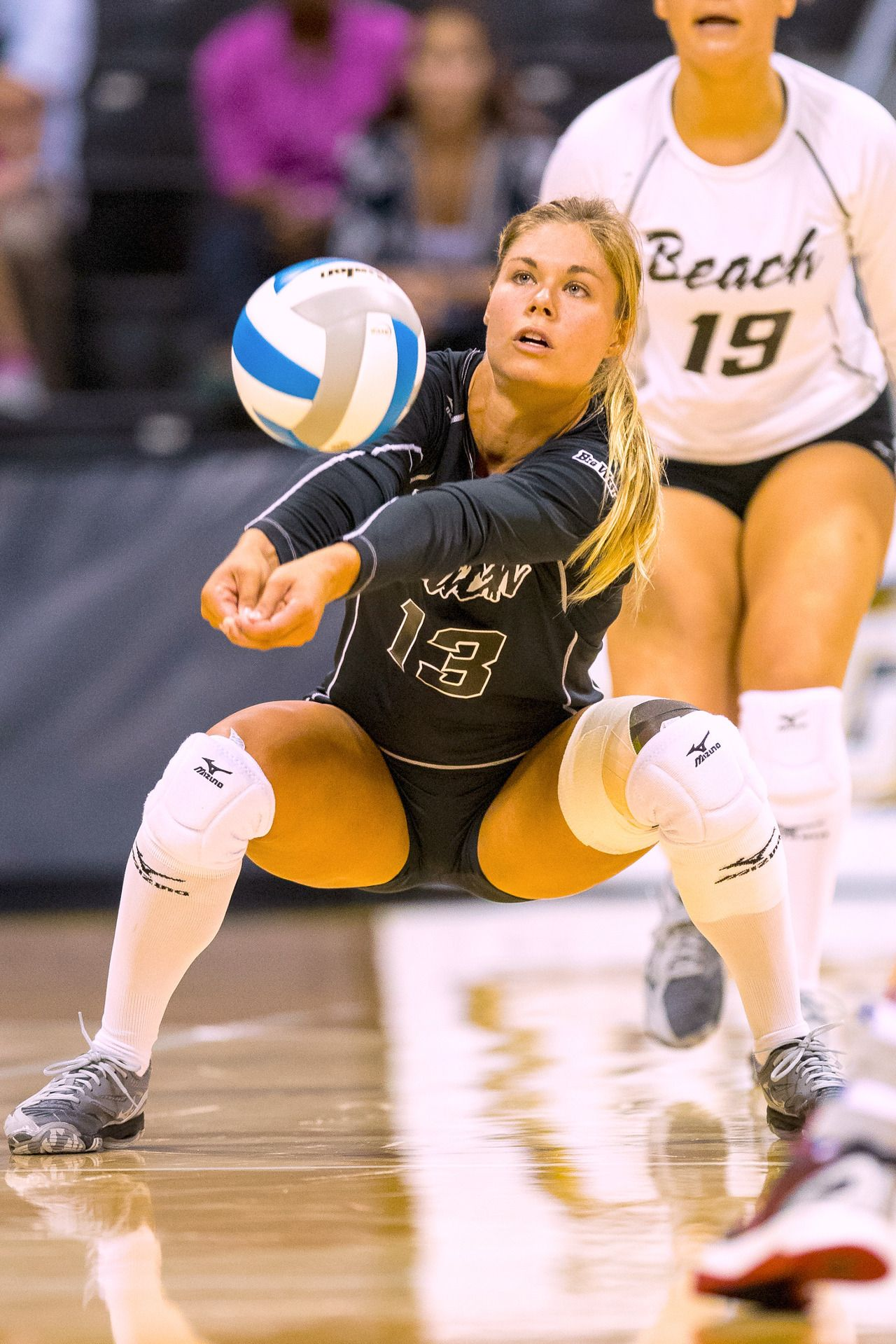 Pin By Dusty On Volleyball Volleyball Players Female Volleyball Players Volleyball
