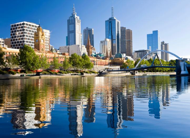 Buildings sur les bords du fleuve Yarra, à Melbourne, en Australie