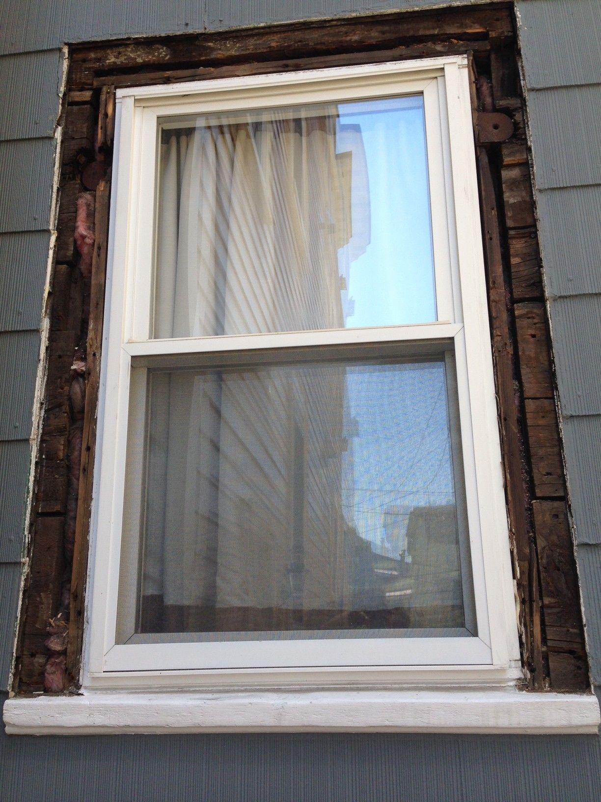 How to replace exterior window trim house to do for Picture window replacement ideas