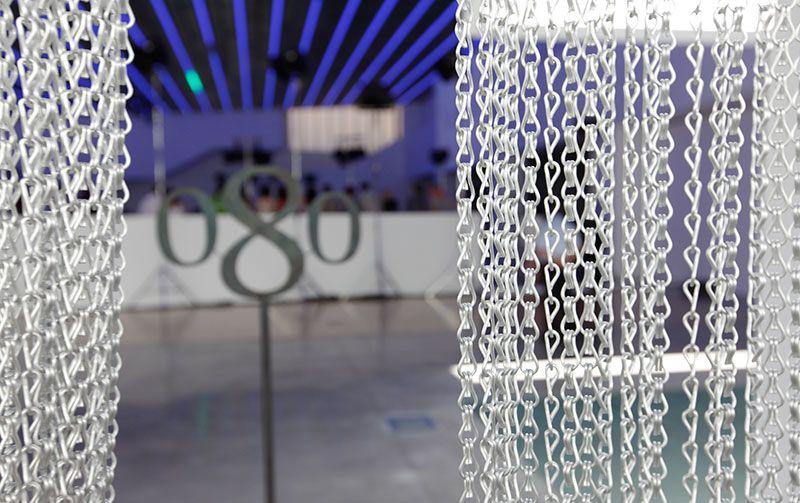 Fondo de escenario cortina met lica de aluminio showtex for Cortinas espana