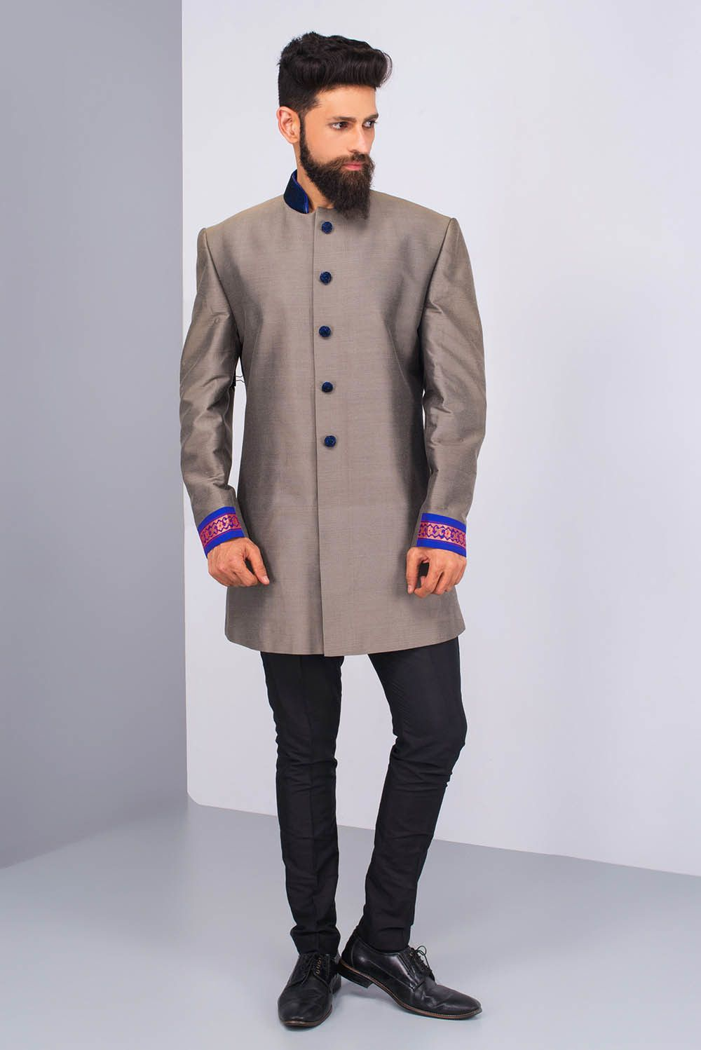 51aa33ca22a0f8 PRIYA CHHABRIA Grey Sherwani With Velvet Collar And Black Pants. #flyrobe  #groom #groomwear #groomsherwani #sherwani #flyrobe #wedding  #designersherwani