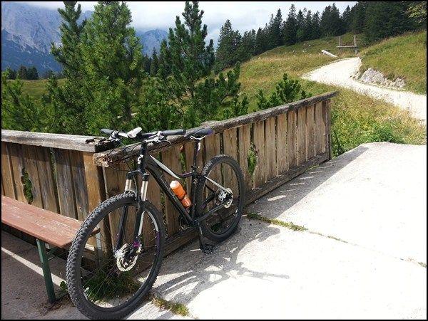 Das Bergradl auf seiner ersten Berghütte