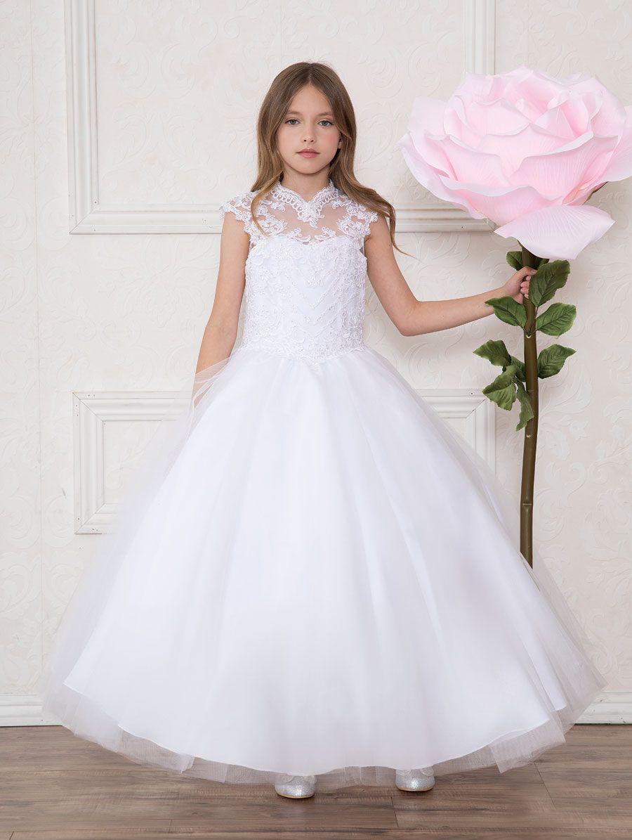 Girls First Communion Gown Tulle With Lace Bodice Scoop Back This Stunning Girls White F Girls Communion Dresses First Communion Dresses Communion Dresses Lace [ 1195 x 900 Pixel ]