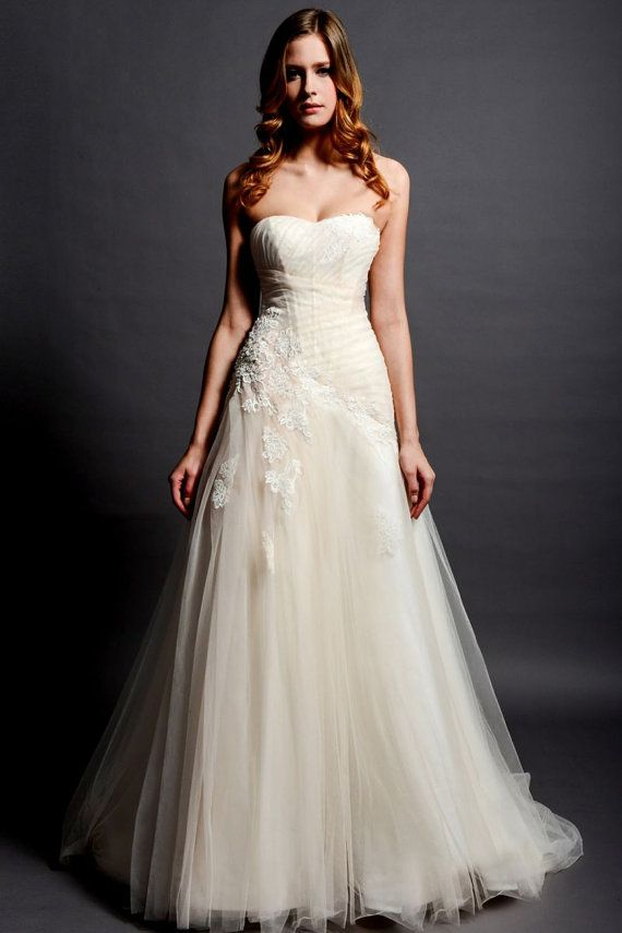Strapless sweetheart blush tulle lace wedding dress a line for A line dropped waist wedding dress