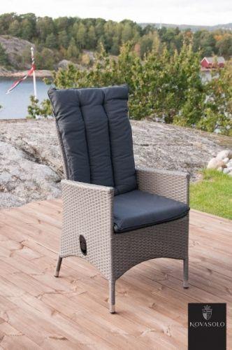 Pen og behagelig Monaco hagestol med reclinerfunksjon. Pute medfølger som avbildet og stolen leveres ferdig montert.