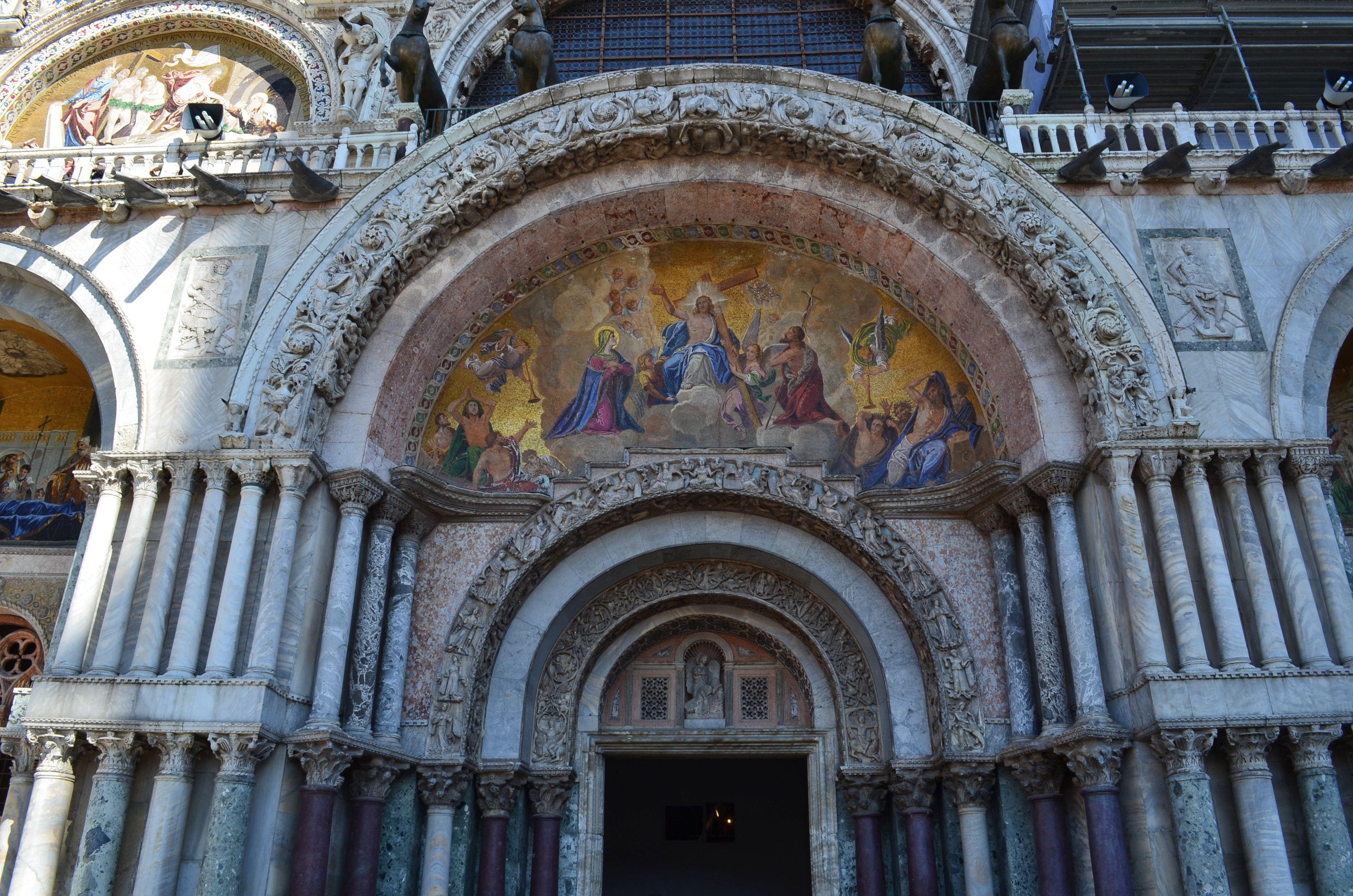 LATE BYZANTINE ARCHITECTURE - S. Marco Venice (begun 1063) . The ...
