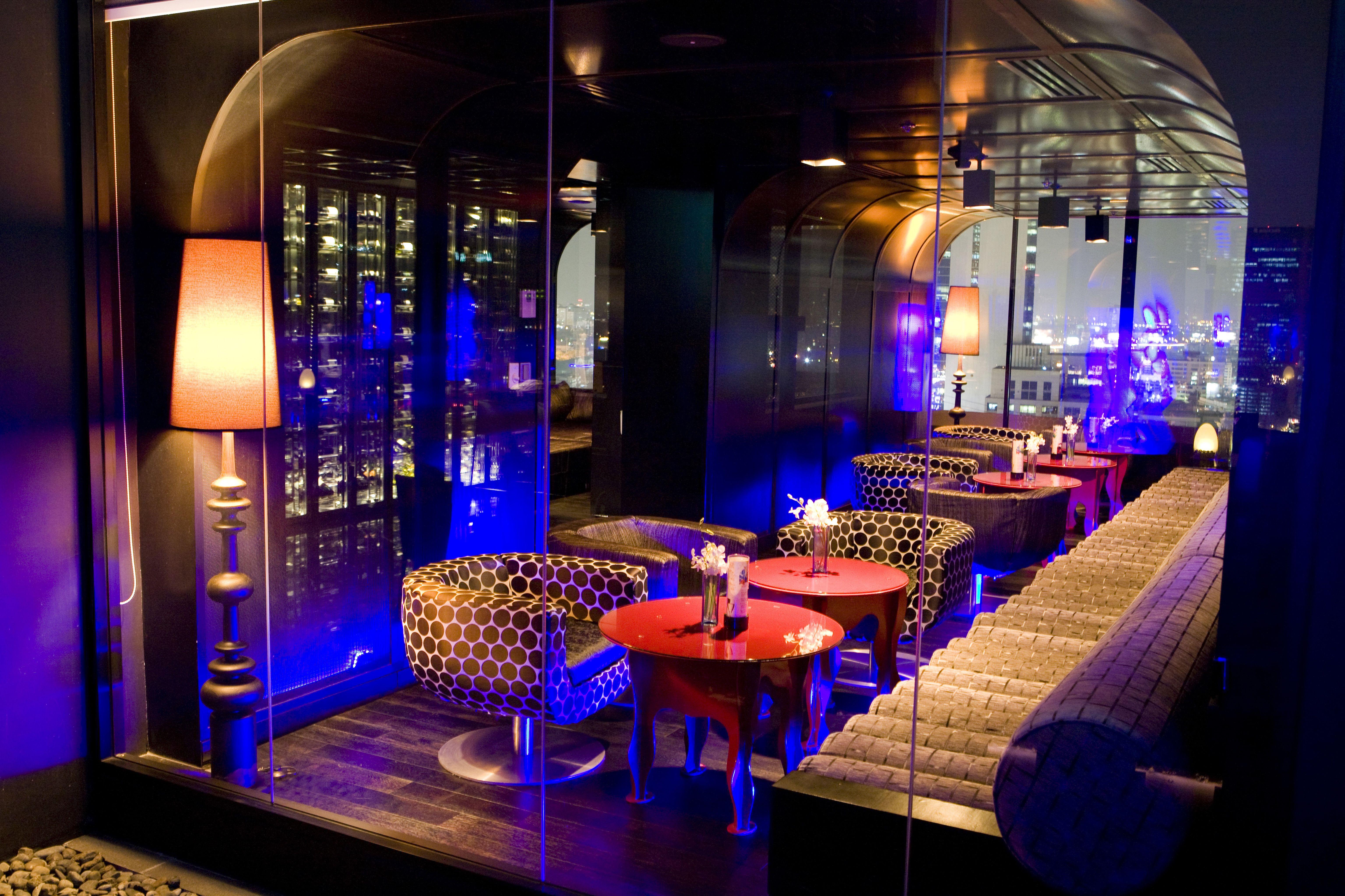 blue sky bar and restaurant interior at centara grand at central