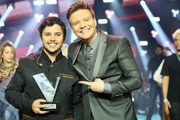 Ex-calouro de Raul Gil vence The Voice Brasil