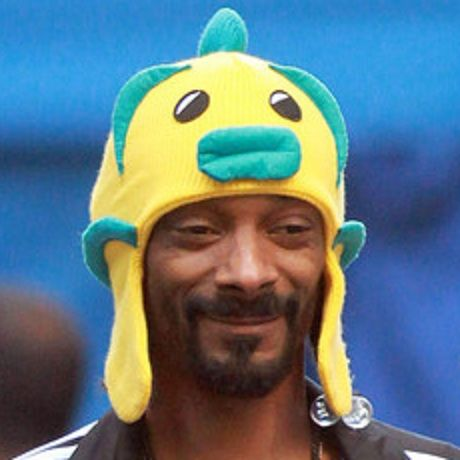 And Now Snoop Dogg Wearing Silly Hats Funny Pictures Funny Memes