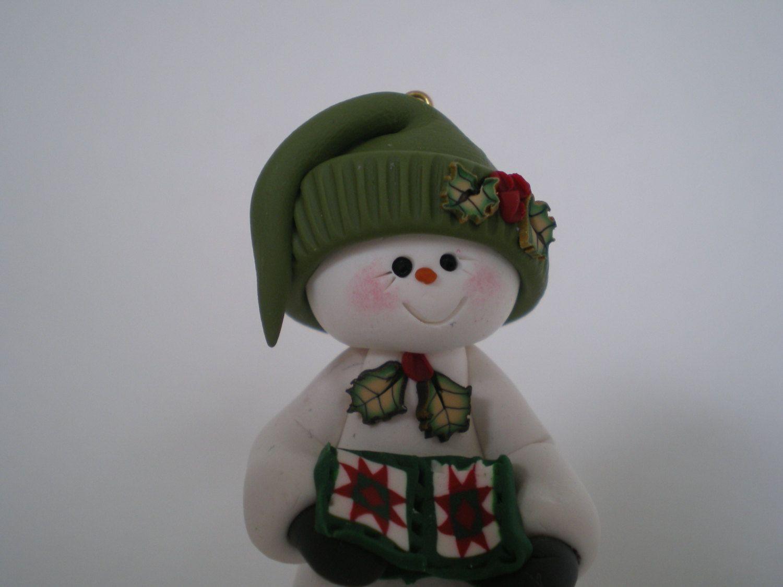 Snowman+holding+a+Ohio+Star+Christmas+Quilt++por+HelensClayArt,+$13,95