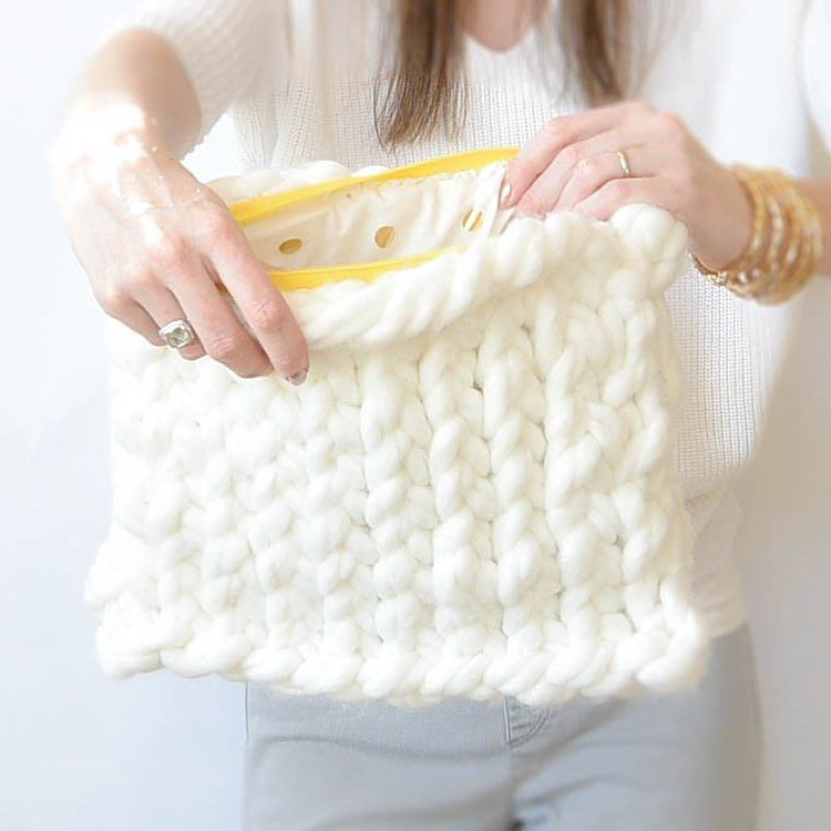 Here\'s my project with the jumbo yarn and GIANT needles! It\'s all ...