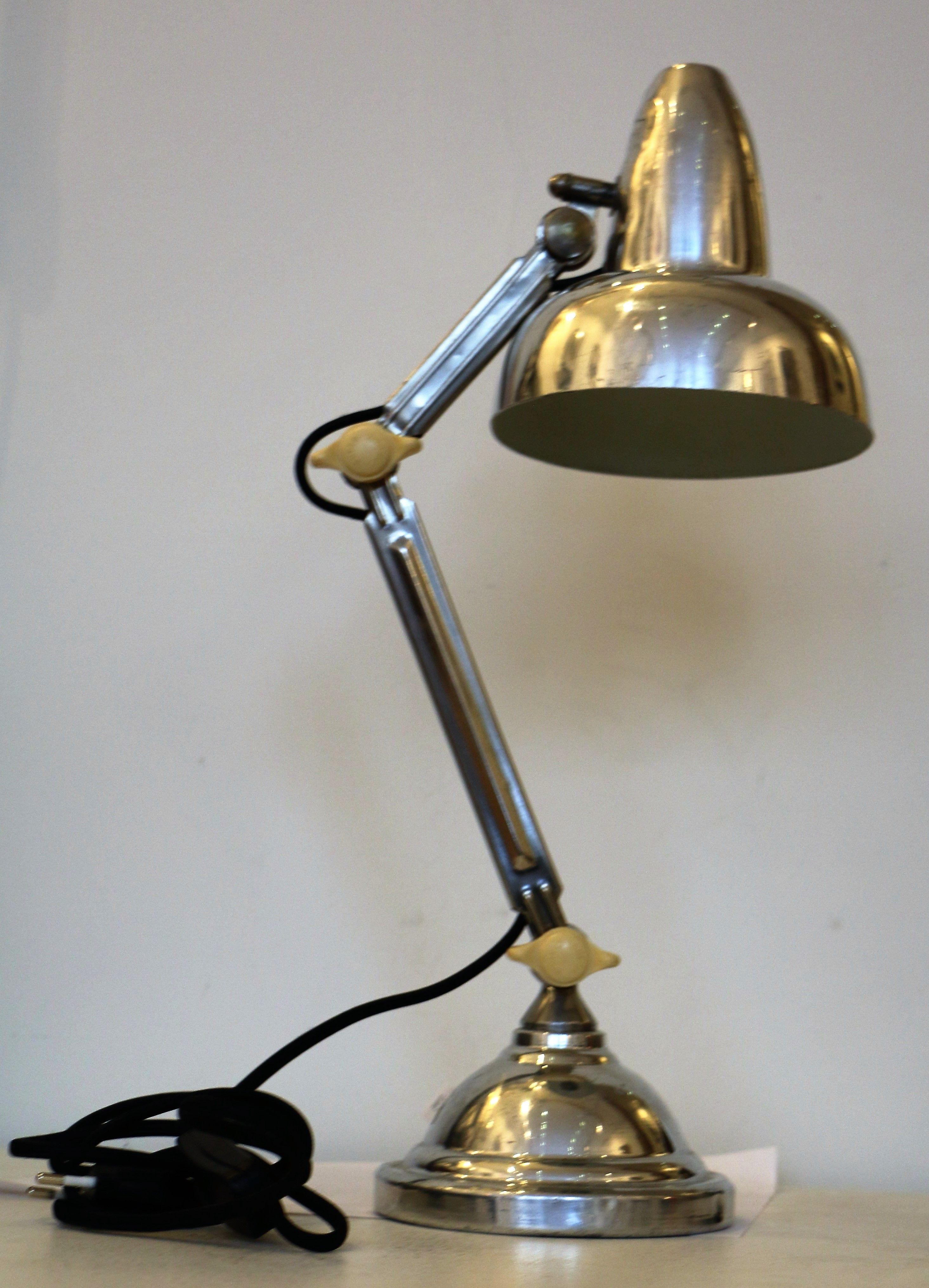 Lampe De Bureau Super Chrome A Deux Bras Articules En Aluminium Et