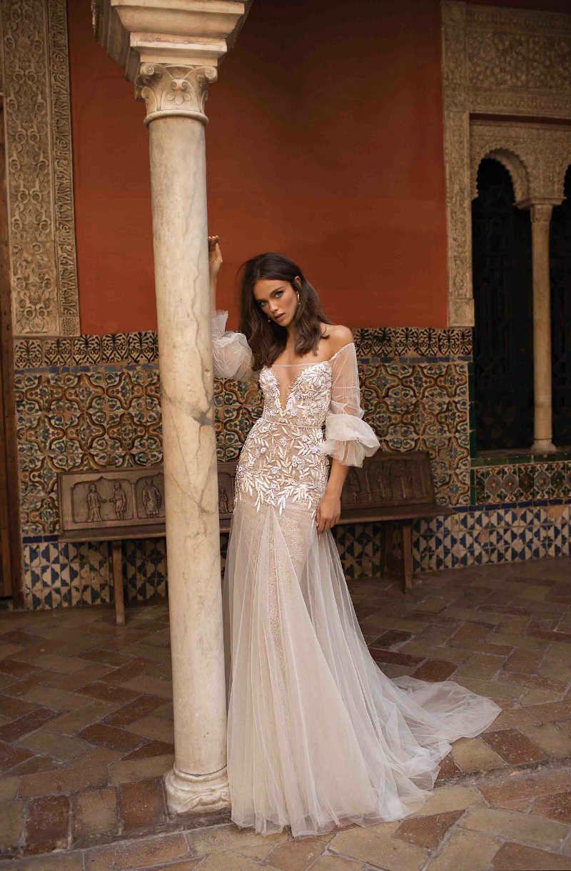 Berta 2018 F/W Wedding Dresses   Pinterest   Flowy wedding dresses ...