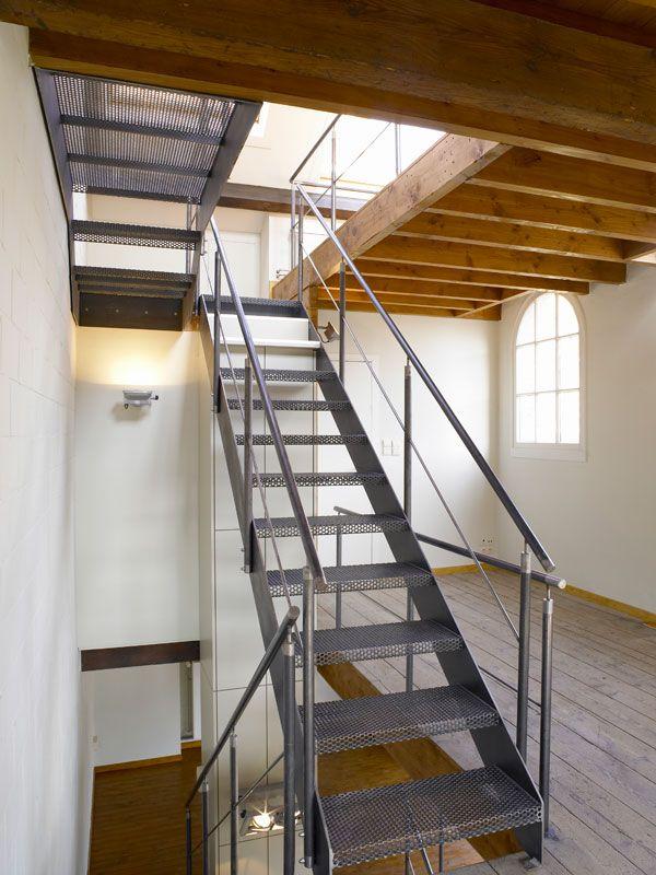 Escaliers métal perforé 楼梯 Pinterest Stairs, Mezzanine and Scale