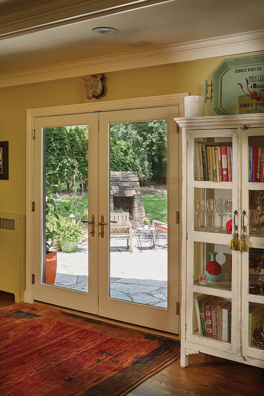 Id Ae831 A Breath Of Fresh Air The Windows In This Historic 1930s House Were Deteriorating And Bar Windows And Patio Doors 1930s House Breath Of Fresh Air