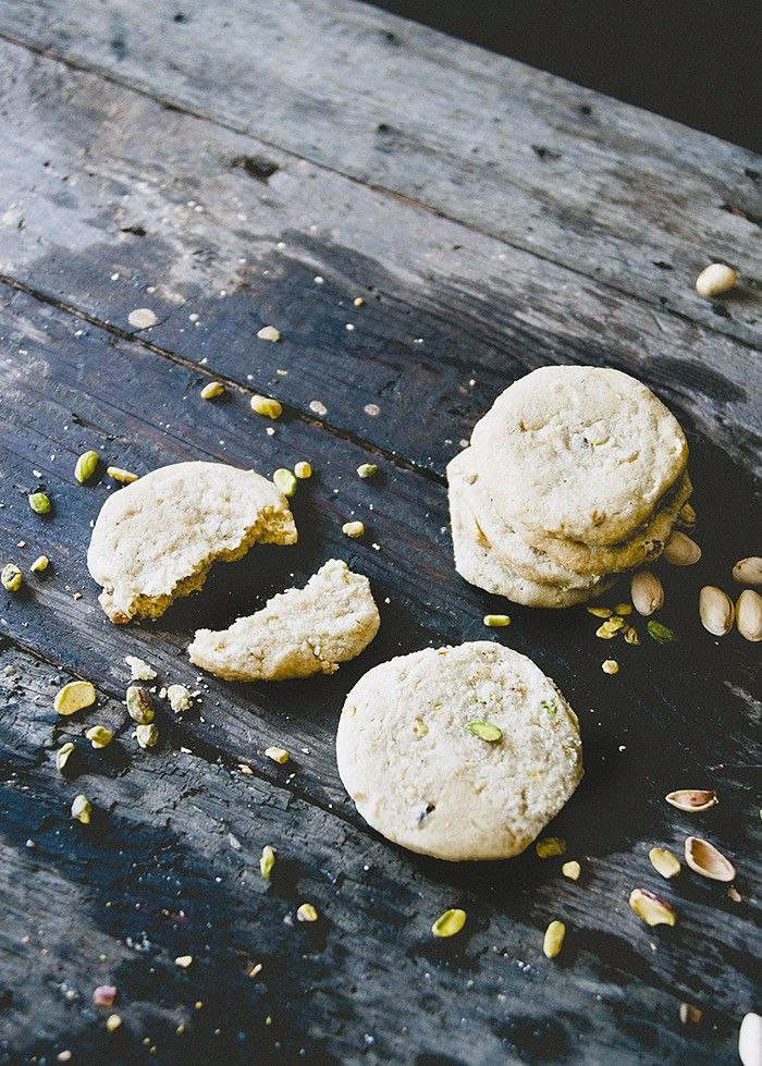 Sweet and Savory Pistachio Streusel Cookies via @MyDomaine