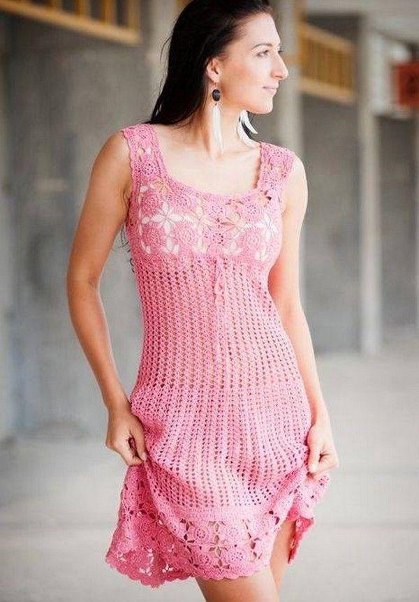 vestido en polvo de color rosa con elementos de fantasía y de flores ...