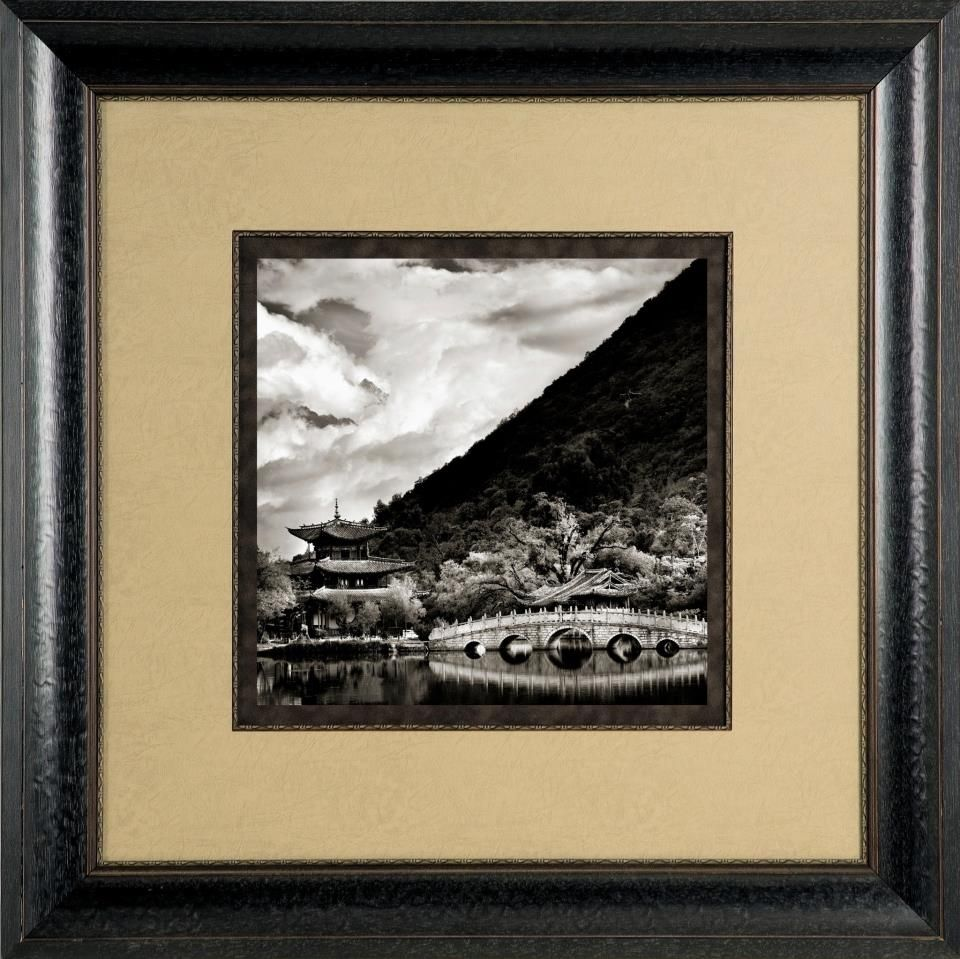 when framing black and white photos or art you do not always have to use