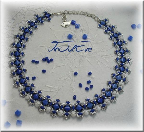 Collier Sulya bleu blanc noir1