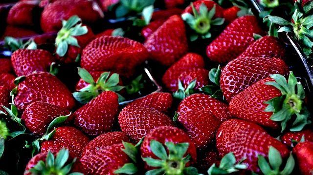 Steeds meer mensen kiezen voor biologische groenten. Veel supermarkten hebben tegenwoordig naast de reguliere groentes en fruit ook biologische groenten in hun assortiment. Ook al zijn deze groeten niet met pesticiden bewerkt zoals conventioneel geteelde