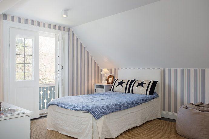 small attic pictures - Bilder Sovrum Randigt Säng Snedtak Hemnet