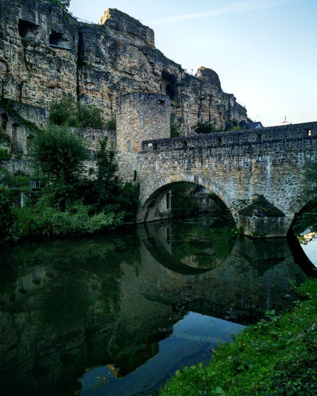 #luxembourg #travelphotography #travelgram #travelblogger #architecture #view #beautifulcity #reflection