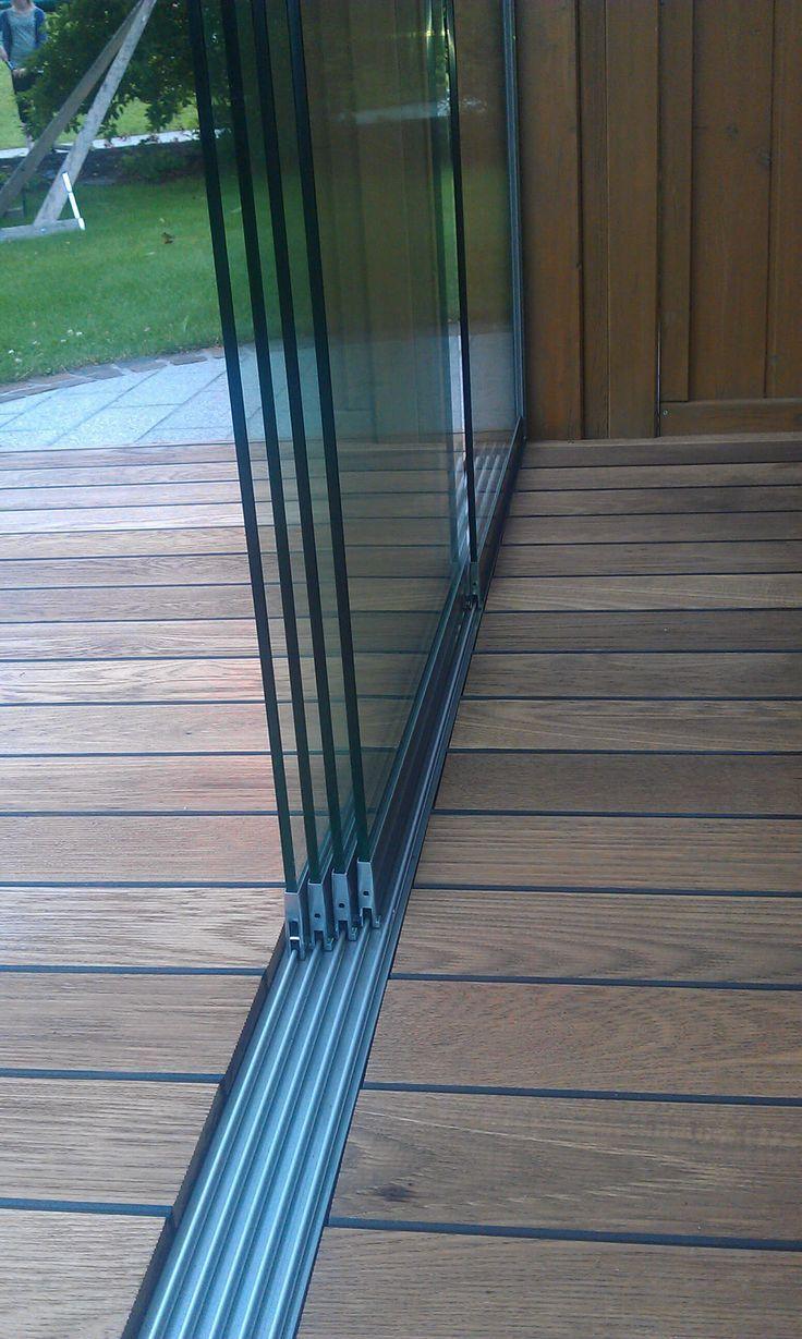 Glasschiebetüre - Detail Bodenschiene von Sunflex #kitchendoors
